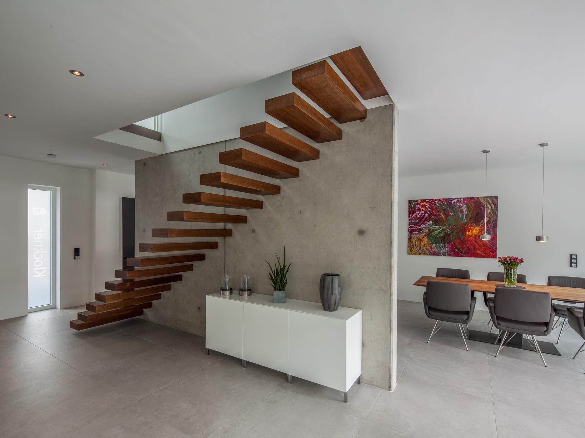 moderne Treppe in einem Wohnhaus