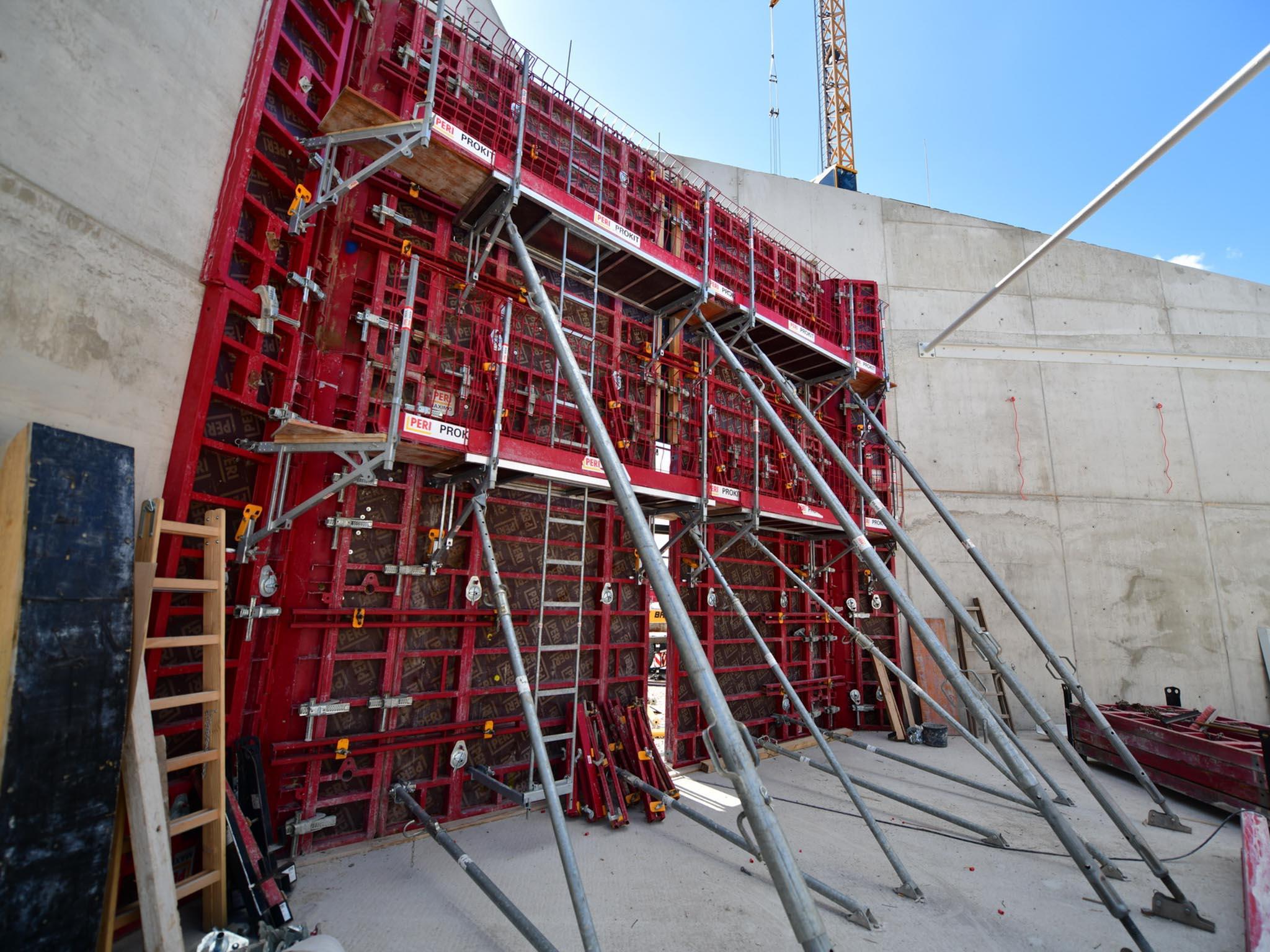 Wandverschalung um eine Stahlbetonwand zu bauen